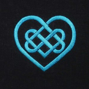 Celtic Knot Heart 1010