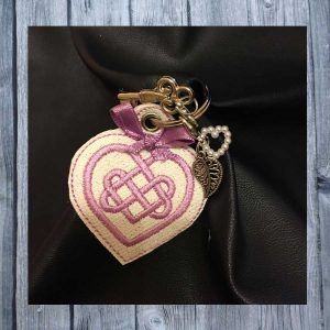 ITH Key fob celtic heart