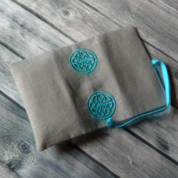 celtic tabacco pouch - in the hoop